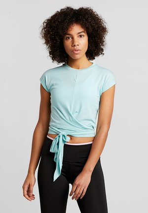 TESSA CROSS FRONT SLEEVE - T-shirt print - aqua