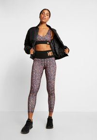 HIIT - HAWFINCH LEGGING - Medias - black - 1