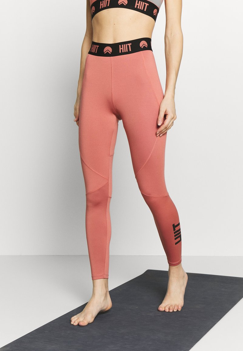 HIIT - ESSENTIAL BRANDED - Tights - salmon
