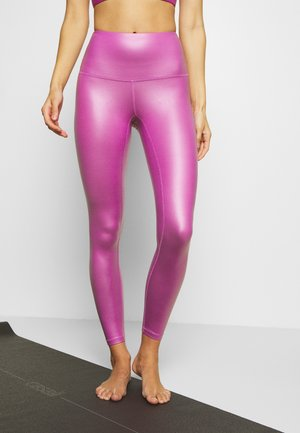LUXE FINISH LEG - Leggings - purple
