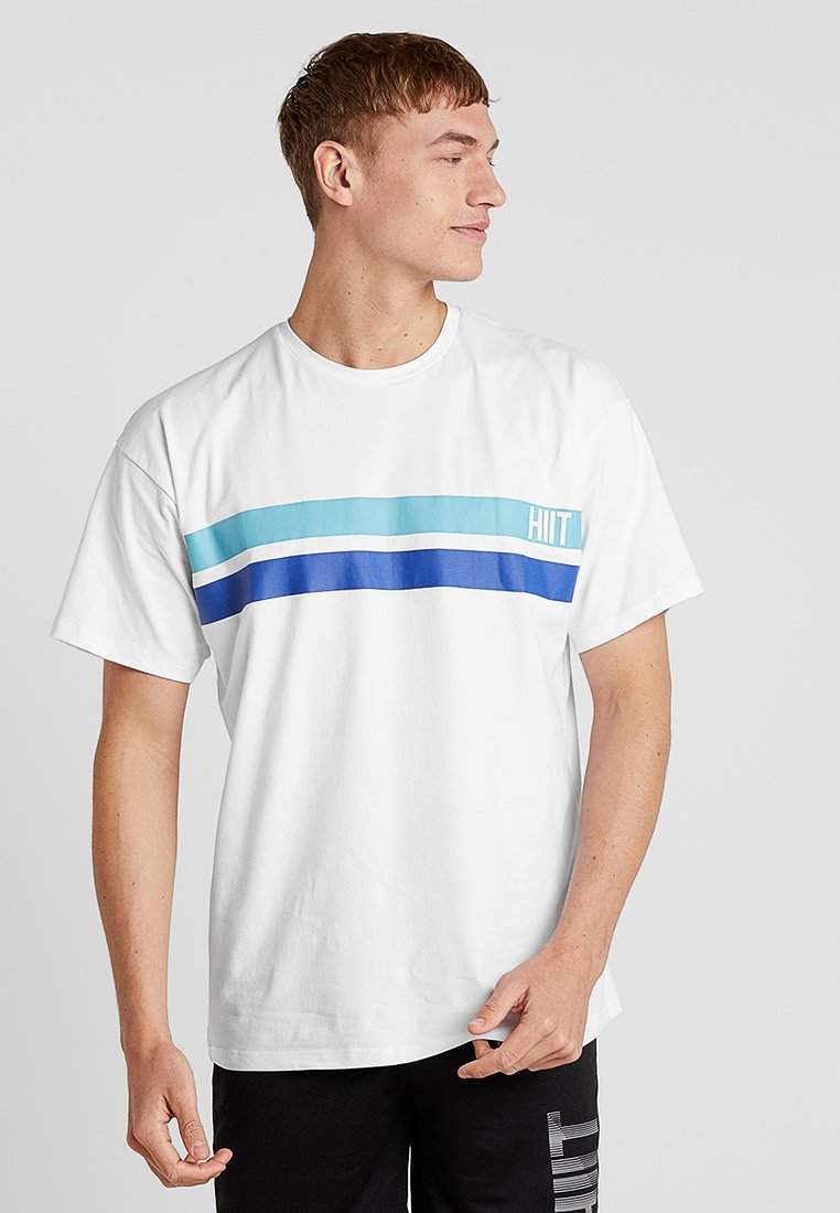 HIIT - CONOR OVERSIZED STRIPE CHEST TEE - Camiseta estampada - white