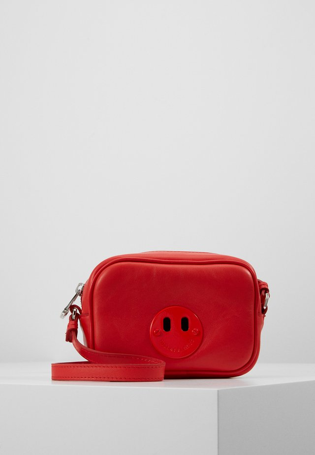 HAPPY MINI CAMERA BAG - Olkalaukku - red