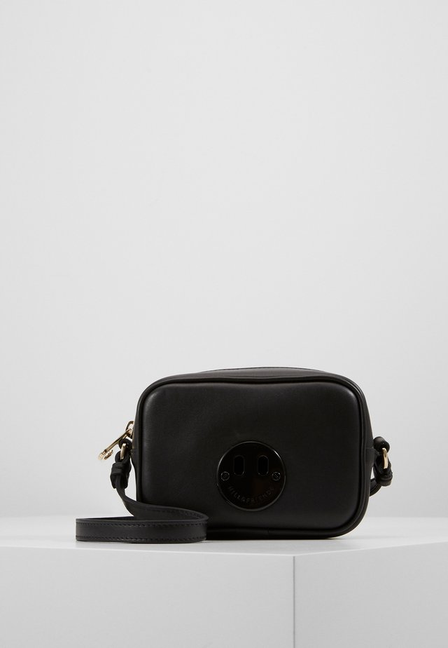 HAPPY MINI CAMERA BAG - Axelremsväska - black