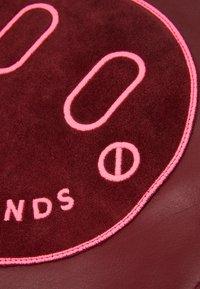 Hill & Friends - HAPPY SLOUCHY TOTE - Velká kabelka - oxblood - 5
