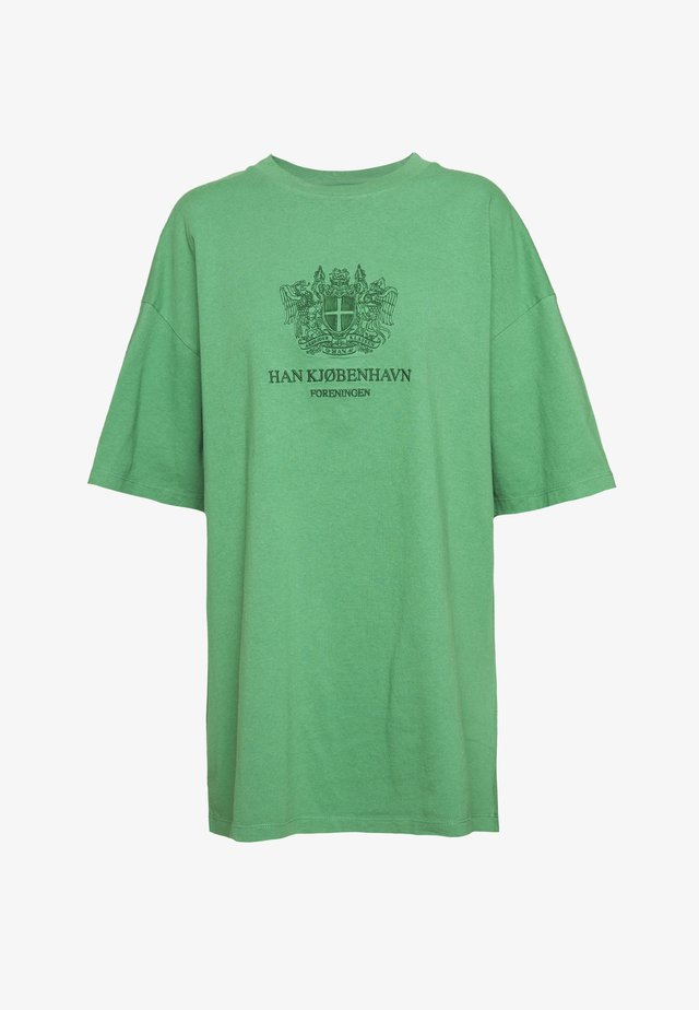 BOYFRIEND TEE - T-Shirt print - green