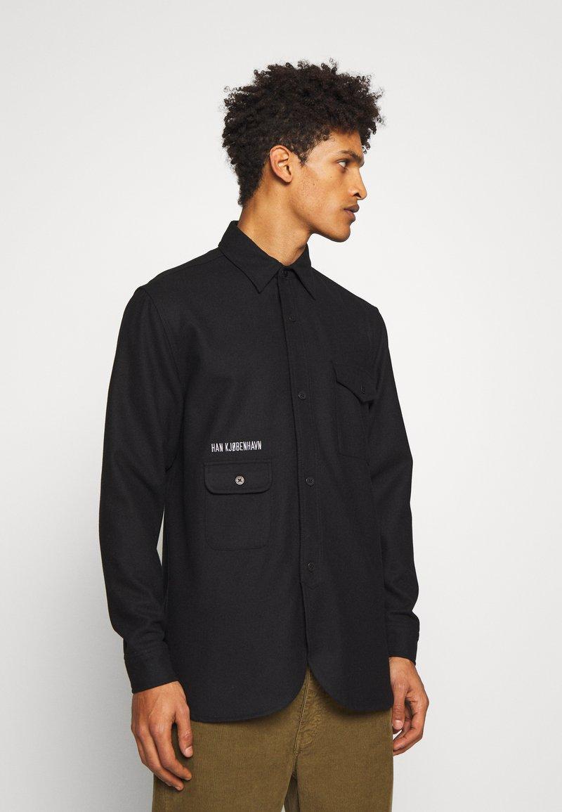 Han Kjobenhavn - ARMY SHIRT - Skjorte - black