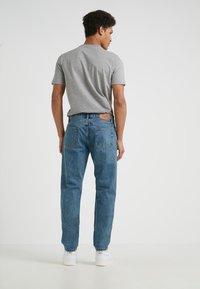 Han Kjobenhavn - Jeans Slim Fit - heavy stone wash - 2