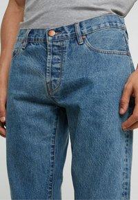 Han Kjobenhavn - Jeans Slim Fit - heavy stone wash - 3