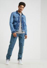 Han Kjobenhavn - Jeans Slim Fit - heavy stone wash - 1