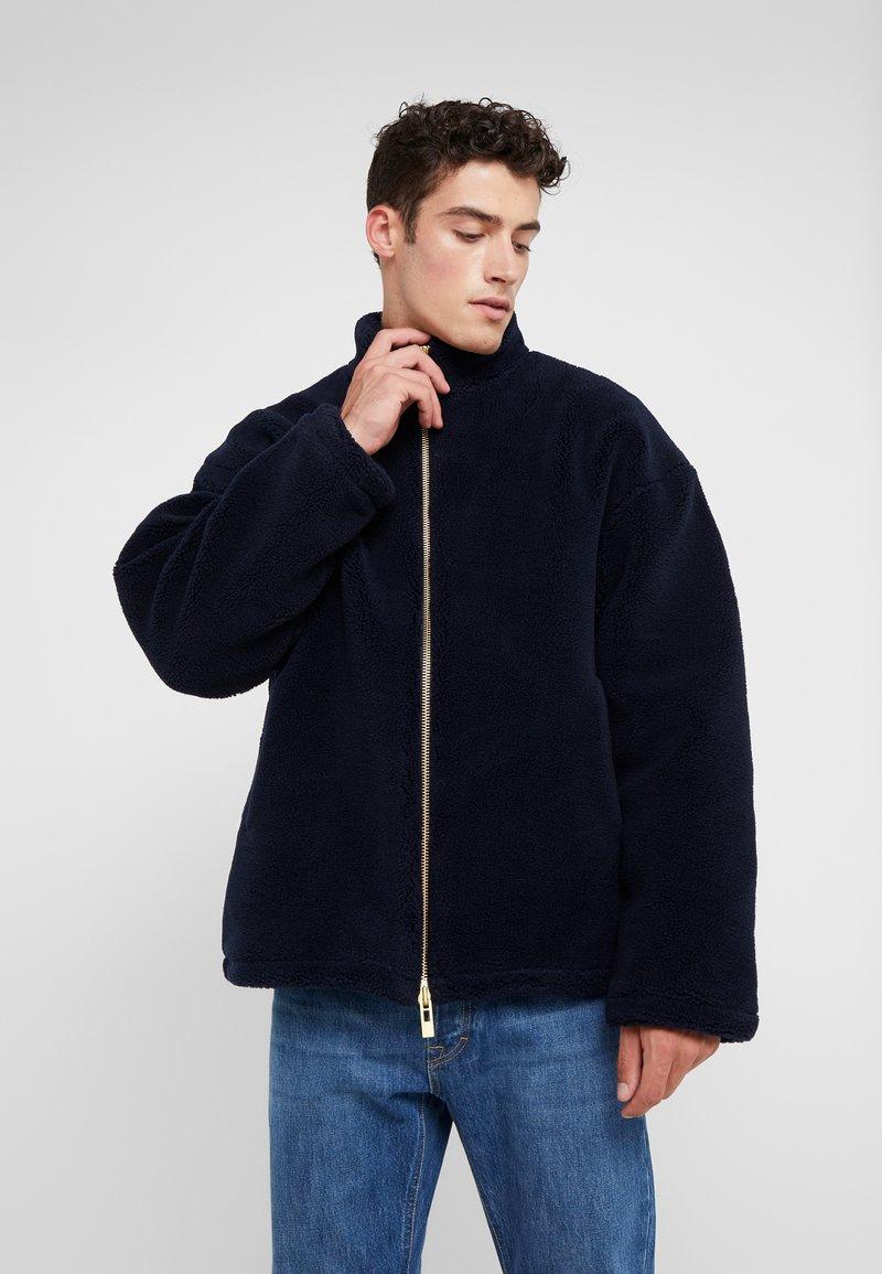 Han Kjobenhavn - TRACK  - Fleece jacket - navy