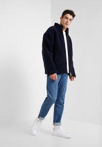 Han Kjobenhavn - TRACK  - Fleece jacket - navy - 1