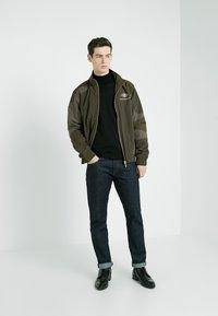 Han Kjobenhavn - TRACK TOP CURVE - Summer jacket - crepe green - 1