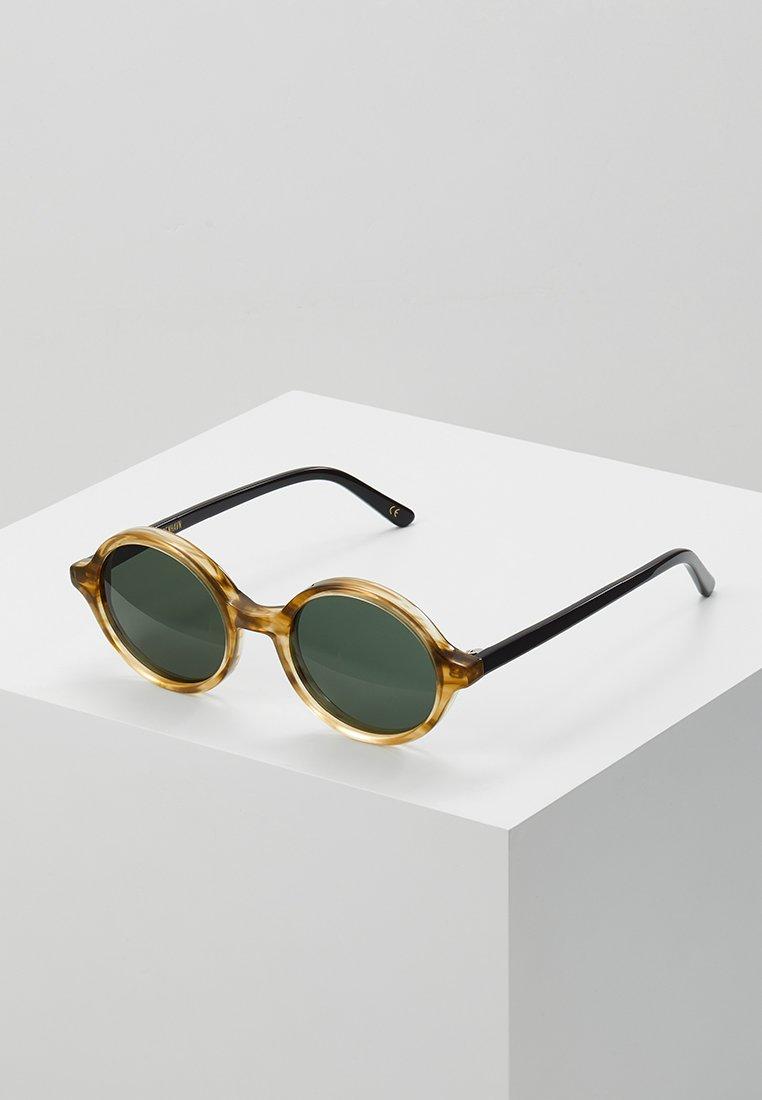 Han Kjobenhavn - DOC - Gafas de sol - horn/black