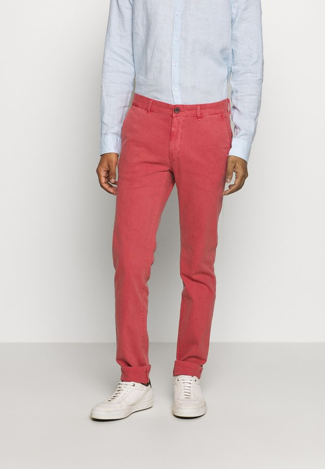 DYE STRETCH - Chino - red
