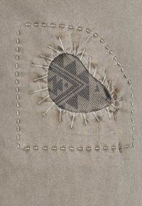 HKT by Hackett - PANELED TROUSERS - Chino kalhoty - moss - 6