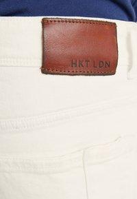 HKT by Hackett - Džíny Slim Fit - optic white - 5