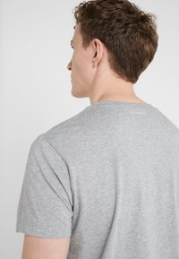 HKT by Hackett - T-Shirt print - grey marl - 3