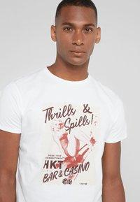 HKT by Hackett - THRILLS - T-shirts print - white - 4
