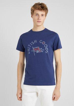 BRITISH GOODS - Print T-shirt - ink