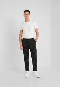 HKT by Hackett - T-Shirt print - off white