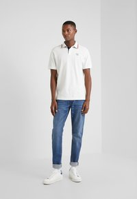 HKT by Hackett - SLIM FIT - Polotričko - white - 1