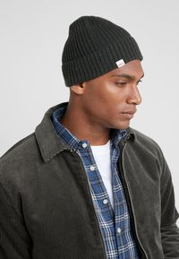 HKT by Hackett - BEANIE - Berretto - dark green