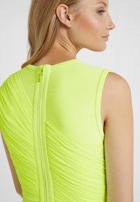 Hervé Léger - DRESS - Robe fourreau - neon yellow - 6