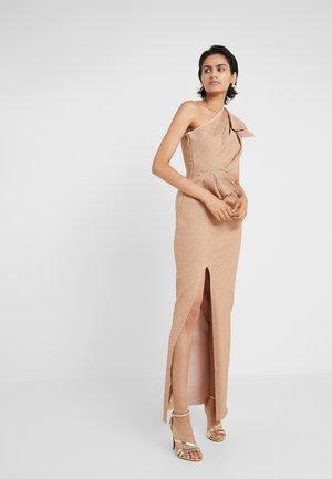 ONE SHOULDER DRESS WITH SIDE SLIT - Společenské šaty - gold