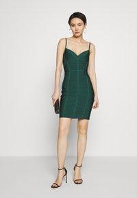 Hervé Léger - DRESS WITH BONING - Sukienka koktajlowa - bright elm - 1