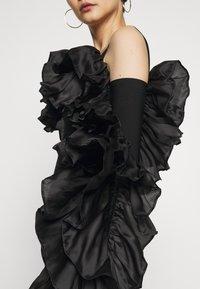 Hervé Léger - RUFFLE SLEEVE MINI - Sukienka koktajlowa - black - 6