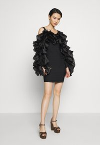 Hervé Léger - RUFFLE SLEEVE MINI - Cocktail dress / Party dress - black - 1