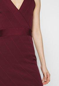 Hervé Léger - ICON STRAP DRESS - Sukienka etui - dark red - 5