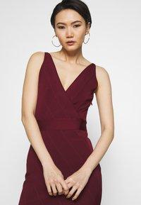 Hervé Léger - ICON STRAP DRESS - Sukienka etui - dark red - 3