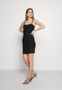 Hervé Léger - CONVERTIBLE STRAP ICON - Pouzdrové šaty - black - 0