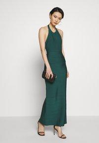 Hervé Léger - CREW NECK GOWN - Společenské šaty - bright elm - 1