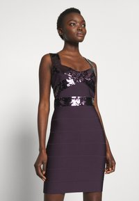 Hervé Léger - SEQUINS MINI DRESS CROSS BACK - Koktejlové šaty / šaty na párty - french plum - 0