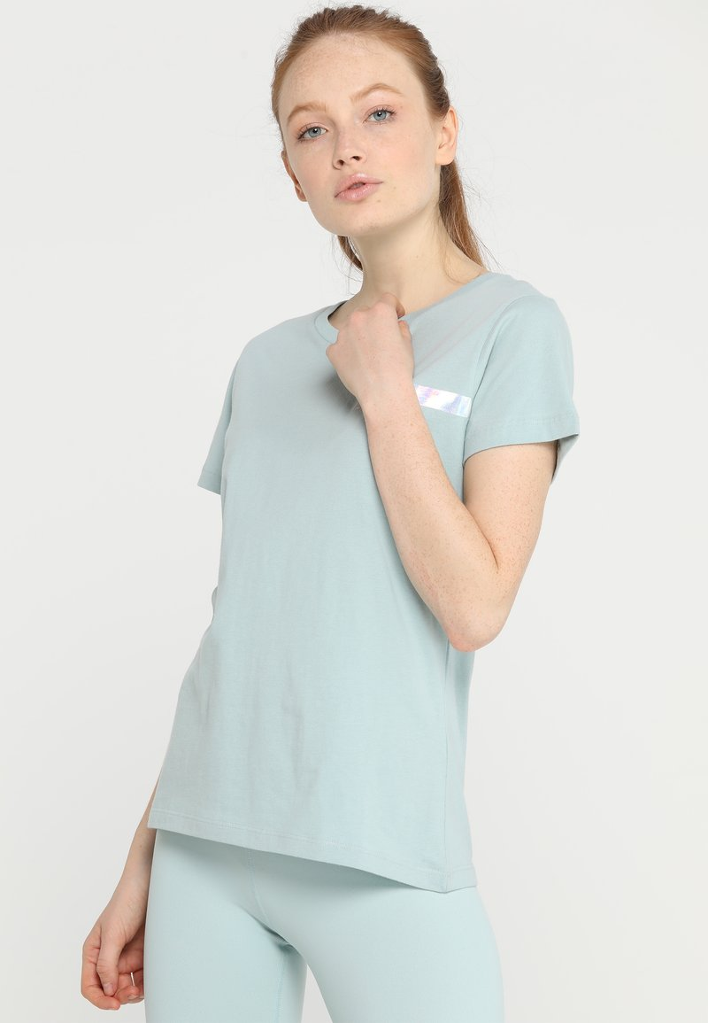 Hunkemöller - TEE REGULAR SMALL BRANDED - Camiseta estampada - ether
