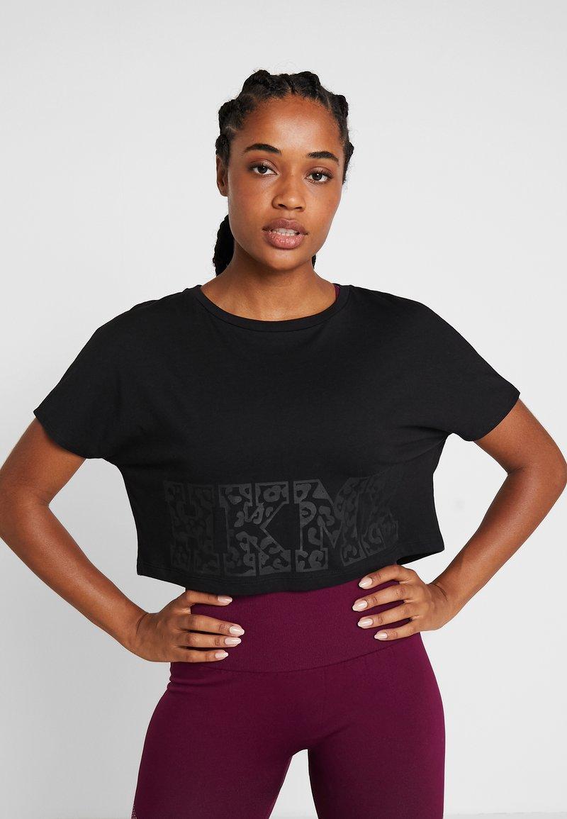 Hunkemöller - TEE CROP - T-Shirt print - black