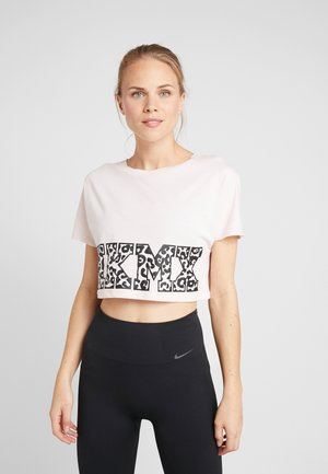 TEE CROP  - T-shirt med print - pink dogwood