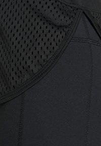 Hunkemöller - PERFORMANCE - Treningsskjorter - black - 4