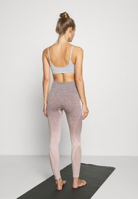 Hunkemöller - LEGGING  - Leggings - adobe rose - 2