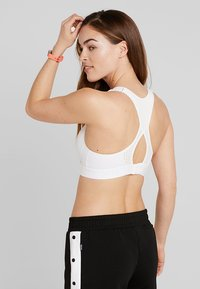 Hunkemöller - THE ALL STAR - Sports-BH - bright white - 2
