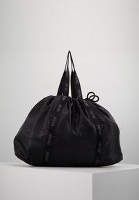 Hunkemöller - TOTE BAG - Sports bag - black - 3