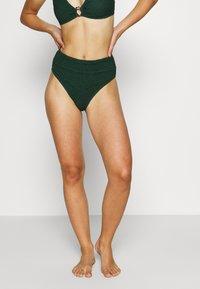 Hunkemöller - INDIO HILLS HIGHLEG - Bikini bottoms - green - 0