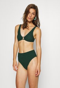 Hunkemöller - INDIO HILLS HIGHLEG - Bikini bottoms - green - 1