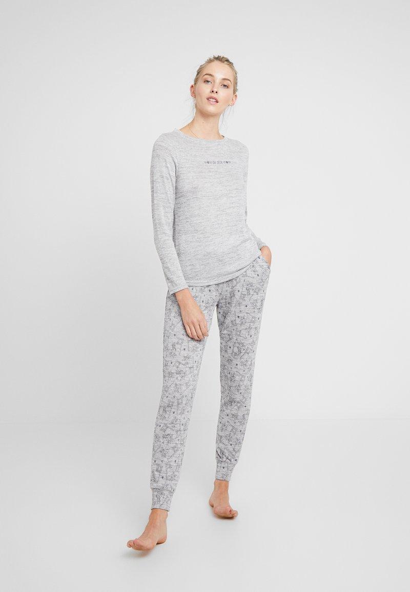 Hunkemöller - DEER SET - Pyžamová sada - soft grey melee
