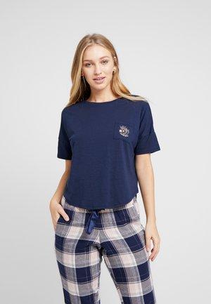 LOOSEFIT MOONCHILD - Pyžamový top - peacot