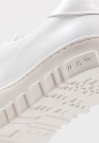 Holzweiler - STOVNER SHOE - Sneakers - white - 6