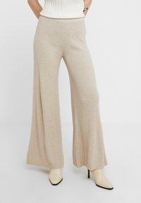 Holzweiler - TIME - Pantalon classique - beige - 0