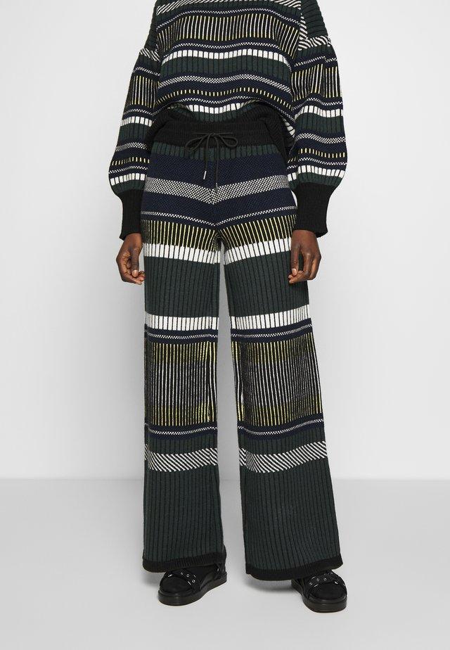 DELI TROUSER - Trousers - green